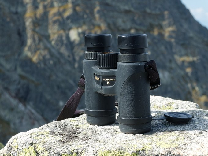 Nikon Monarch binoculars – practical applications - Small pairs of binoculars: 30 and 36 mm objective lenses