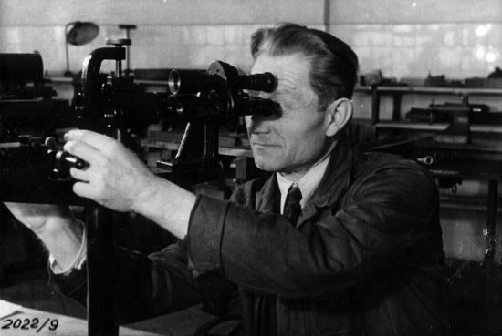 "The history of PZO - or ""Polish people have also something to boast of..."" part II - Polish Optical Industries (PZO) – the postwar reconstruction and development till 1966"