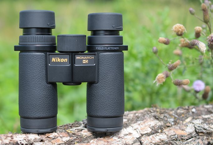 Hands-on: Nikon Monarch HG 10x30